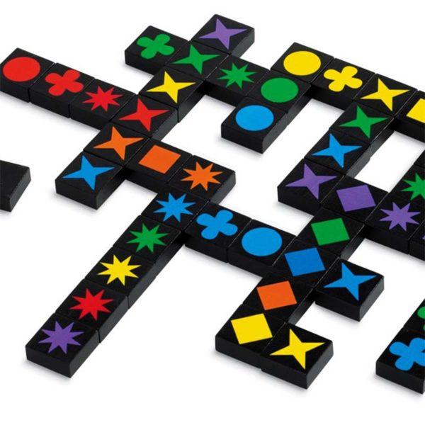 Настолна игра Qwirkle плочки с различни цветове и форми
