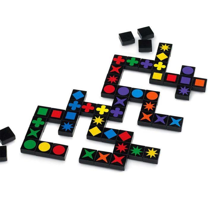 Настолна игра Qwirkle в процес на играта Qwirkle