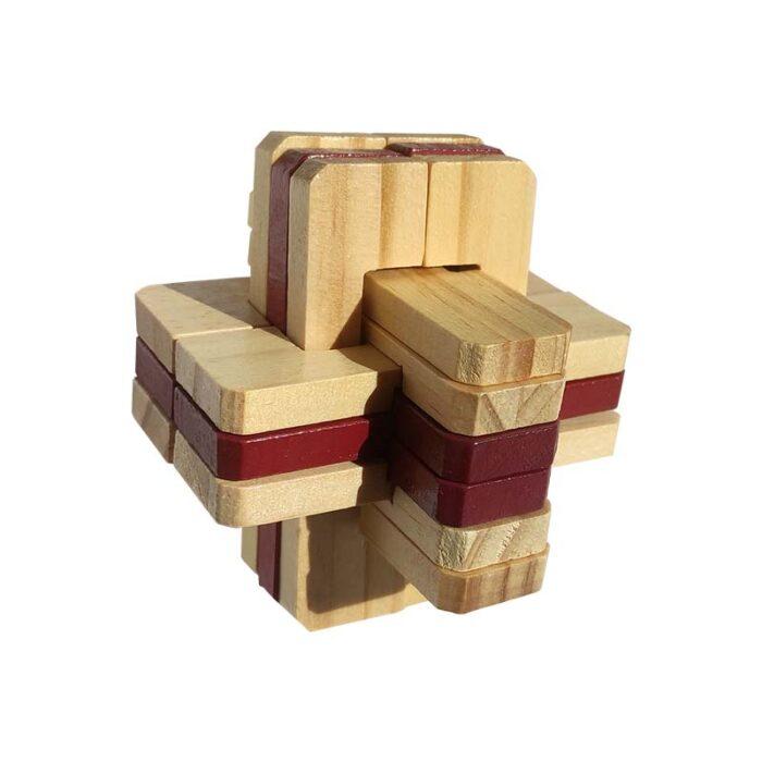 дървена фигура cross