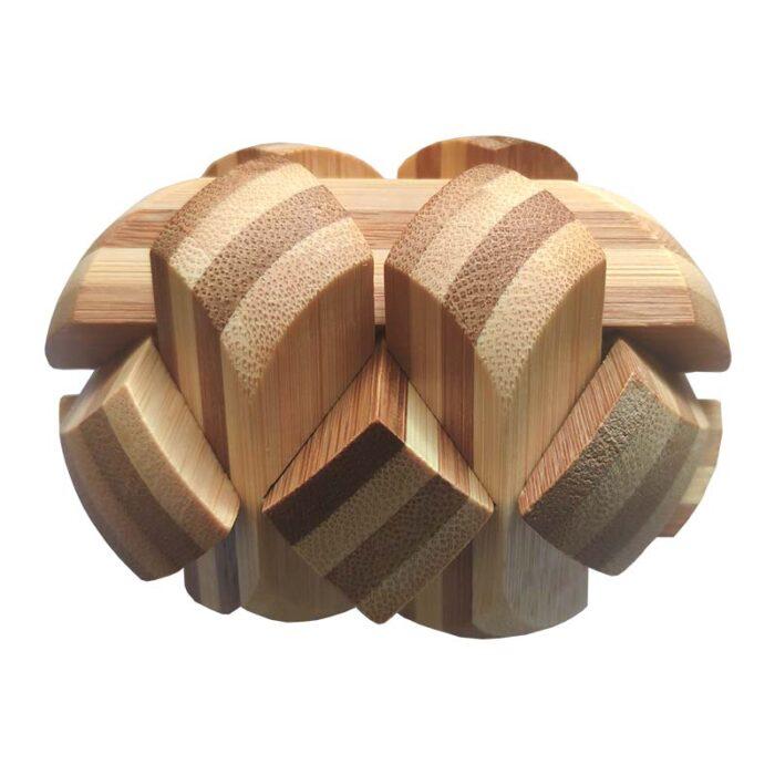 Дървена фигура драконово яйце 1